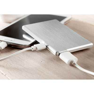 Powerbank 2200mah et USB 8GO